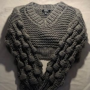 HERA Puffed V Neck Grey Crop Top